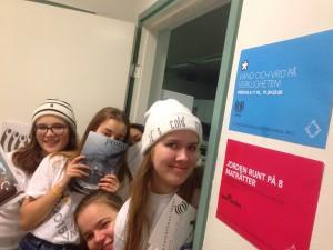 Teamet: Agnes, Laura, Chloe, Kati & Sofia +fotografen Felix